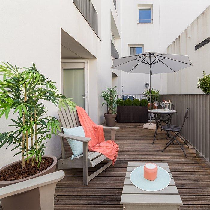 Appartement Balcon Terrasse en Bois